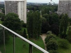 Laeken-Quartier mutsaard -Magnifique appartement très lumineux entièrement rénové (nouveaux chassis et nouveaux radiateurs