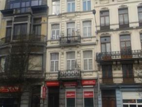 Centre-Ville.Le boulevard Maurice Lemonnier est par excellence un boulevard central de Bruxelles. A deux pas de la Bourse de Bruxelles, du Hall St-G&e