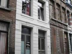 Rue d'Enghien 35 à 7000 MONS. Maison de caractère entièrement rénovée, située au coeur du Centre historique