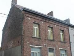 Idéale pour allier habitation et profession (2 entrée possibles), belle maison offrant 150m² habitables avec grenier amén&ea