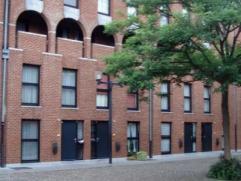 Place de la Grande Pêcherie 13K à 7000 MONS. Appartement triplex composé de: hall d'entrée, wc séparé, s&eacu