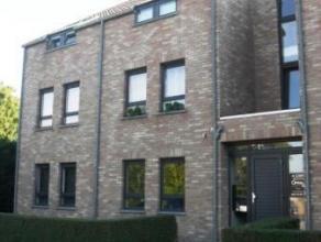 Chaussée de Beaumont 17B/18 à 7000 MONS. Bel appartement tout confort composé d'un hall d'entrée avec débarras, d'u