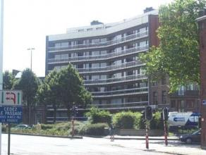Place de Flandres 10/11 à 7000 MONS. Agréable appartement au rez de chaussée, lumineux, proche de toutes commodités, situ&