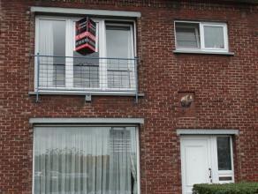 Prijs : euro 680 Aantal slaapkamers : 2 Aantal badkamers : 1 Adres : Houtdoklaan 29, 9000 GENT Bewoonbare opp. : 100 m² Woongedeelte : 24 m²