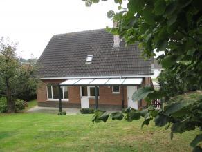 Villa au calme avec un beau jardin dans un quartier résidentiel à Moorsel. Rez de chaussée: hall d'entrée / wc, salon avec
