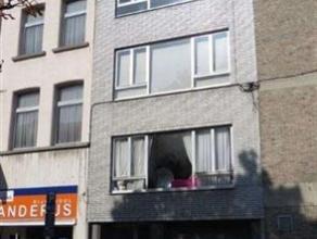 1-slaapkamer appartement net buiten de ring van Mechelen. Gelegen op het derde verdiep (geen lift aanwezig in het gebouw). Living met aanpalend keuken