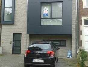 Nieuw appartement op het 1e verdiep met lift te huur met één slaapkamer en ruim rustig achterterras gelegen. De huurprijs bedraagt euro6