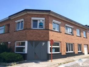 Zeer ruim en recent, stijlvol, luxueus gerenoveerd appartement met 2/3 slaapkamers en terras in het rustige dorpscentrum van Oud-Heverlee. Op het geli