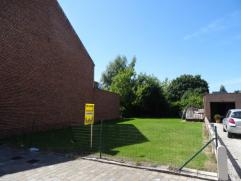 BOUWGROND HOB IN DORPSKERN WELLE - 3A 37CA Prachtige bouwgrond gelegen te Denderleeuw, in het hartje van de deelgemeente Welle (dorpskern), geschikt v