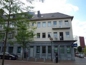 STATIONSSTRAAT 23/22 - GENK-CENTRUM: Luxueus wonen in het centrum van Genk!  Ruim en recent dakappartement (duplex) met 2 slaapkamers, polyvalente r