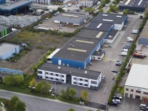 Bedrijfsgebouw, bestaande uit 500m² magazijnruimte + 70m² burelen, gelegen op het industrieterrein Centrum-Zuid te Houthalen.   MAGAZIJN  -