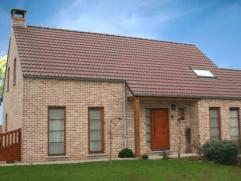 Nieuwbouwproject voor een open bebouwing met het model Linea 1. 3 slaapkamers, badkamer, garage voor 1 wagen, driedubbele beglazing, zonnepanelen, 14c