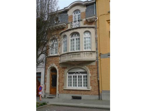 Maison louer woluwe saint lambert ebo0m for Adresse maison communale woluwe saint lambert