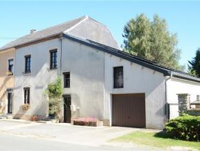 Guirsch- Arlon, très belle maison villageoise 3 façades avec jardin de 4,40 ares orientée plein sud. Ce bien est composé c