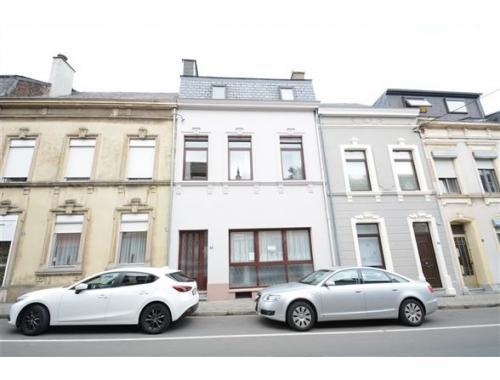 Maison de ville à vendre à Arlon, € 145.000