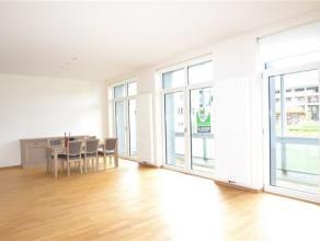 Splendide appartement de 150 m² composé comme suit: hall d'entrée, vaste séjour lumineux avec baie vitrée donnant sur
