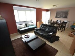 Arlon, trs bel appartement de 70 m² compos comme suit: hall d'entre, grand sjour lumineux, balcon, cuisine quipe, 1 chambre, salle de bain, buand