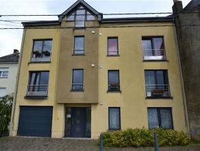 Arlon , bel appartement de 81 m² compos comme suit: hall d'entre, sjour, cuisine quipe 2 chambres, salle de bains, cave et place de parking extri