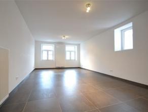 Arlon centre, trs bel appartement neuf de 120 m² compos comme suit: hall entre, sjour, cuisine quipe, buanderie, salle de bains, 2 chambres. Trs