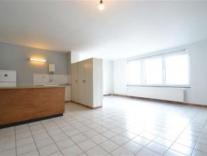 Arlon centre , spacieux appartement de 80 m² composé comme suit: hall d'entrée vaste séjour, cuisine, chambre, salle de bain