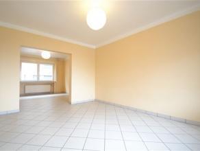 Arlon, très bel appartement de 76 m² composé comme suit: hall d'entrée, séjour lumineux, cuisine, terrasse, 1 chambre
