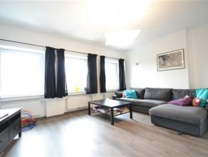 Arlon, bel appartement de 85 m² composé comme suit: hall d'entrée, salle à manger, salon, cuisine, 2 chambres,bureau( ou pos