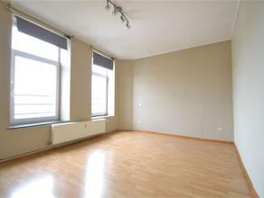 Arlon centre, agréable appartement de 49 m² composé d'un séjour, cuisine équipée , chambre et salle de bain. B