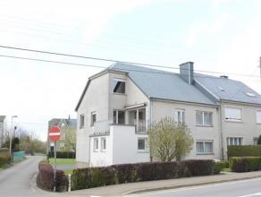 Arlon-Stockem, bonne maison d'habitation 3 façades sur terrain de 3 ares. Ce bien est composé comme suit: niv 0: hall d'entrée, v
