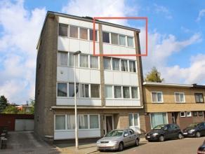 Op de derde verdieping van een klein gebouw kan je dit instapklaar 1 slaapkamer appartement vinden. Deze flat is compact en erg functioneel ingericht.