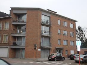 Dit met oog voor detail volledig vernieuwd appartement telt 2 slaapkamers en een bureau/werkruimte en is gelegen in het centrum van Brasschaat. Alle w