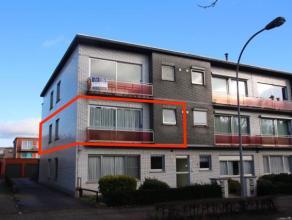 Zeer netjes onderhouden appartement in Brasschaat. Een ruime living met een gezellig klein terrasje aan de straatkant. 2 slaapkamers en een kamer dat