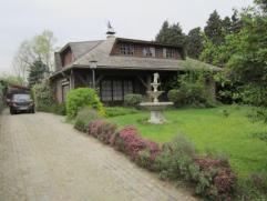 Te renoveren villa op prachtig stuk grond! Bent u op zoek naar een woonst met groenoase? Dan is deze villa met prachtig stuk grond zeker iets voor u.