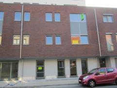 Prachtig nieuwbouwappartement met centrale ligging! Vlotte verbinding met N70 - E17 - centrum Sint-Niklaas! Het appartement is ingedeeld als volgt:
