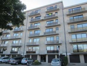 Prachtig appartement met magnifiek uitzicht! Het appartement is ingedeeld als volgt: inkomhal, toilet apart, berging, ruime woonkamer, ingerichte keuk