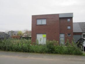 Moderne (nieuwbouw)woning met garage en tuin Gelegen in jonge wijk - E17 vlot bereikbaar De woning is ingedeeld als volgt: