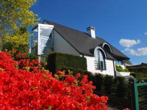 Deze villa is gelegen tussen Ninove en Aalst op de grens met Haaltert en Denderleeuw. De aansluiting met de E40 is op minder dan 5 minuten. Deze wonin