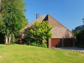 Deze hedendaagse villa kent een rustige en kindvriendelijke ligging in een landelijke deelgemeente van Brakel.  <br /> Deze charmante villa, met tuinb