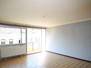 Au troisième étage de la résidence, appartement situé à deux pas de la place Général Jacques et de se