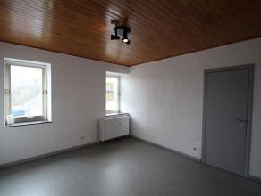 VERVIERS, appartement composé de : hall d'entré, un séjour, une cuisine semi-équipée, une chambre à coucher,