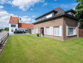 Op een uiterst gunstige ligging in Emelgem (een deelgemeente van Izegem) huisvest deze open bebouwing. Mits de nodige opknapping kan deze woning omgev