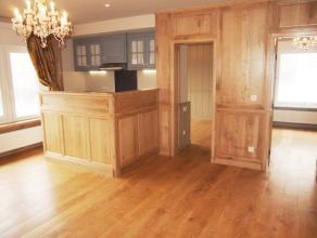 In de aangename badplaats Zeebrugge resideert op de 1ste verdieping dit fantastisch appartement. De eigendom werd grondig gerestaureerd en beschikt ov