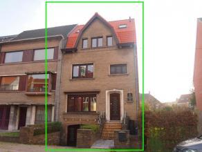 Op wandel- en fietsafstand van de Brugse binnenstad huisvest dit fantastisch eigendom. Deze ruime gezinswoningis als volgt ingedeeld: een kelder
