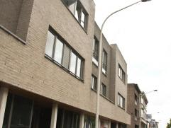 Volledig instapklaar en recent appartement (bouwjaar 2006) van circa 109 m² met 2 slaapkamers. Het appartement beschikt over een zonnig dakterras