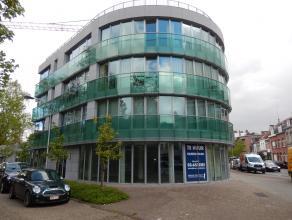 Dit handelspand van 351 m2 is gelegen in het hartje van Brasschaat op een drukke winkelstraat. Deze zaak beschikt over een aparte berging en WC. Vanwe