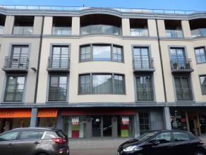 Dit handelspand van 312 m2 met grote vitrine is gelegen in het hartje van Brasschaat op een drukke winkelstraat. Het pand is ook voorzien van een onde