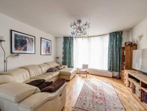 Luxueuze eengezinswoning, type bel-étage (bew.opp. 171m²) met zeer veel lichtinval gelegen op wandelafstand van 't Groen Kwartier. <br />