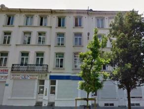 A proximité du Théatre Flamand / Centre ville - 3 Maisons de Rapport - +/- 1165m² - Elles se composent de 13 Unitées - 3 Rez