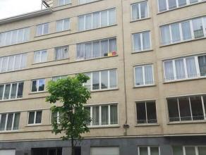 Dans le célèbre quartier du Diamant - Superbe appartement de +/- 120m² - Hall d'entrée avec vestiaire  - Spacieux living ave