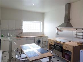 Rue Léopold 1er: Très beau studio de +/- 45m², entièrement meublé et équipé. 2ème étage (