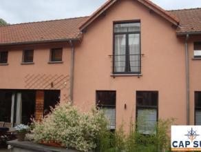 Dans un arrière bâtiment au calme et dans le style LOFT, agréable maison 2-chambres de +/-135m² + grande terrasse/jardin de +